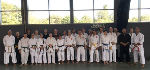 Die Teilnehmer und Referenten des Lehrgangs